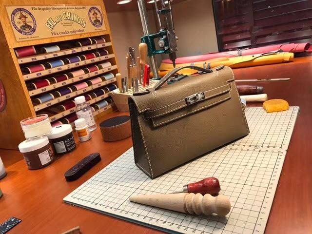 HERMES 爱马仕 迷你凯莉 MiniKelly 4g焦糖色brulee 配全套专柜原版包装
