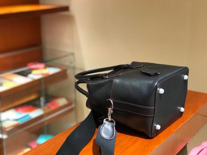 HERMES 爱马仕 专柜新款 Toolbox Swift 牛奶盒 20cm 黑色
