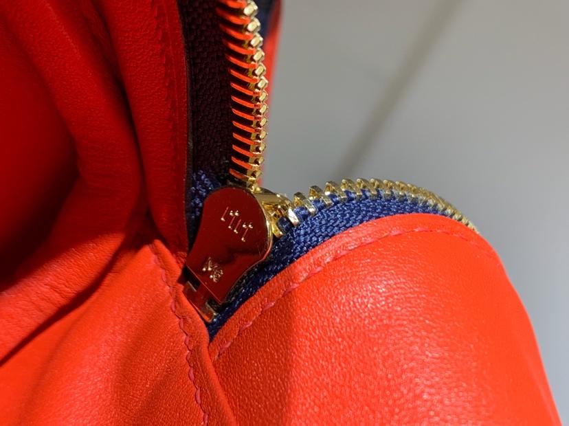Lindy 26/30cm 纯手工 CKN7风暴蓝BleuTempete 内里番茄红 配全套专柜原版包装