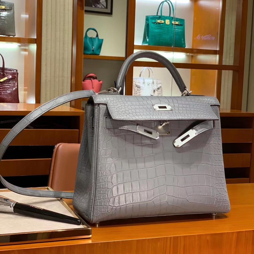 爱马仕 HERMES Kelly 凯莉包 25cm 28m 哑光鳄鱼皮 珍珠灰 配全套专柜原版包装 全球发售
