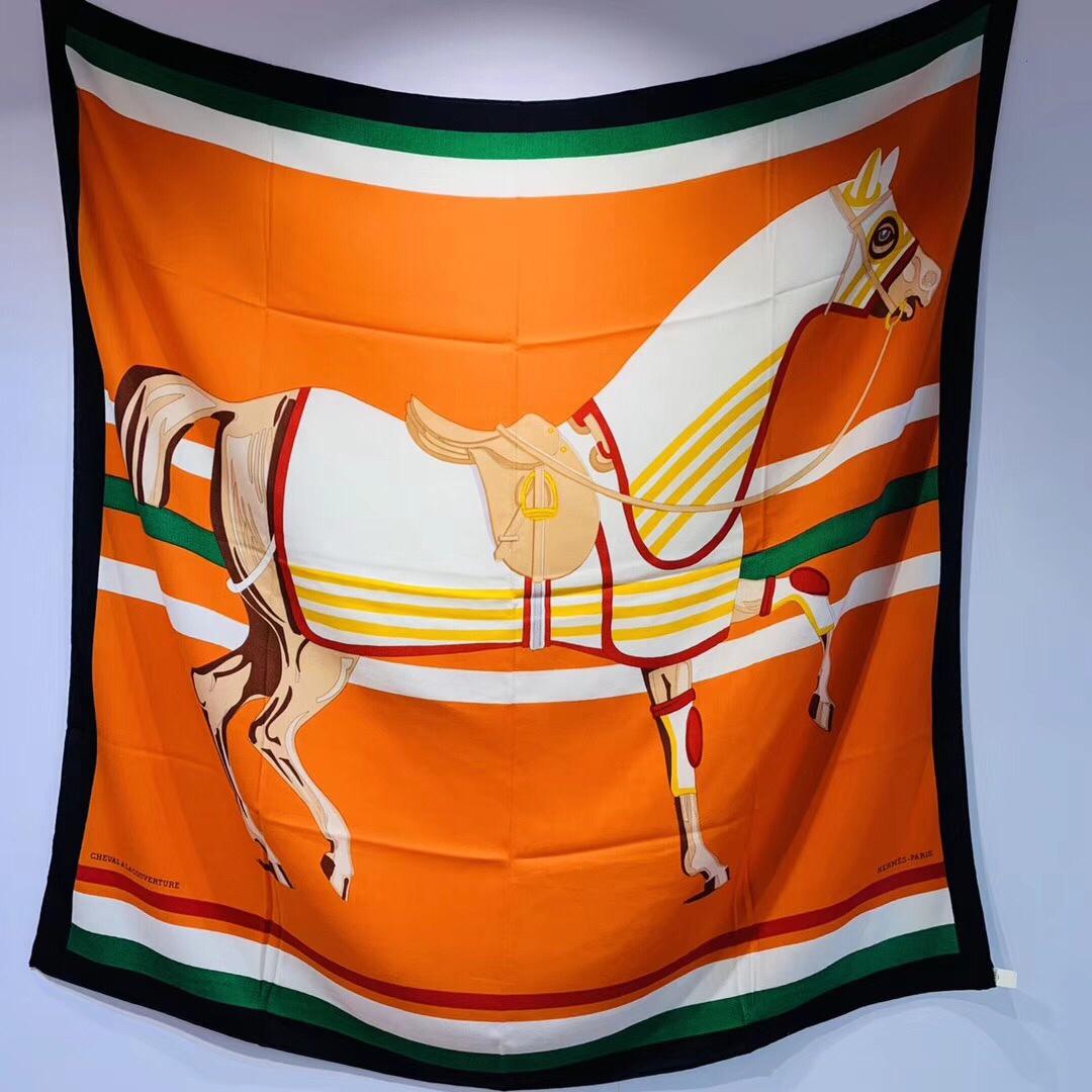 H 丝羊绒 《 骏马披挂 》橙色 - - 140*140 cm 真丝羊绒混纺