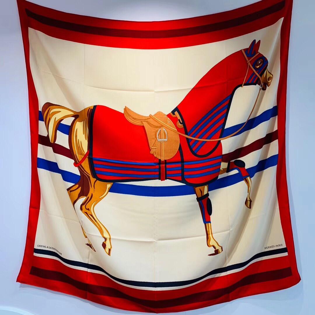 H 丝羊绒 《 骏马披挂 》红色 - - 140*140 cm 真丝羊绒混纺