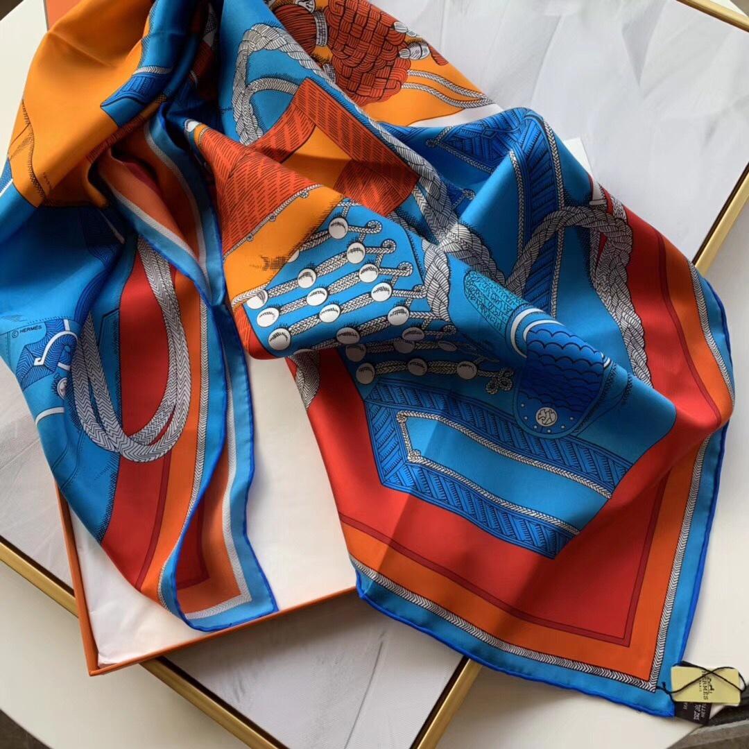 春季丝巾新品《佐阿夫团与龙》蓝色 90x90cm 100% 蚕丝面料 高精度纺织