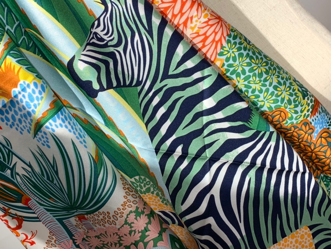 2020年春季新款斜纹真丝方巾 《林中斑马》 90*90cm 粉色 18姆米