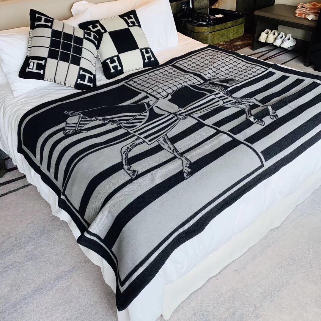 爱马仕中国 H经典款毛毯 黑色 140*180cm  原版包装