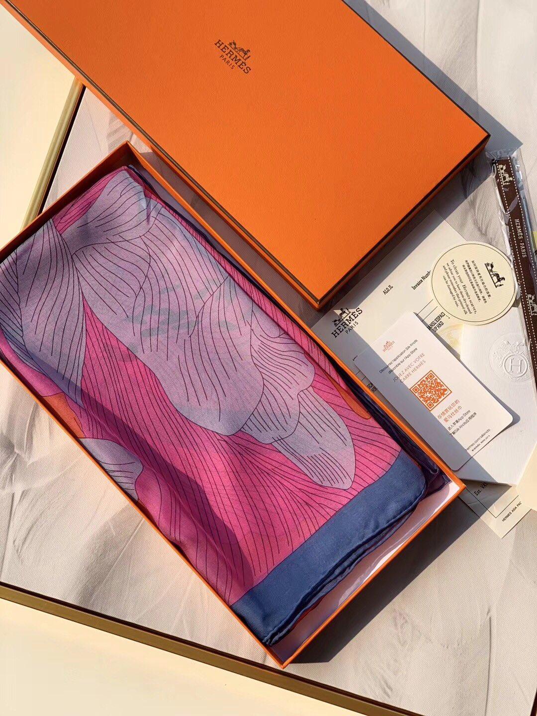 H《绦带四色》 由四个色组成的方巾 140*140cm 100%雪纺真丝