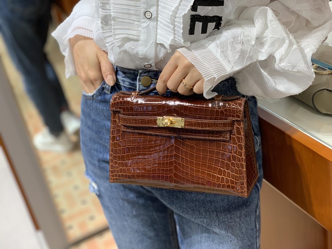 HERMES 爱马仕女包批发 Mini Kelly 22cm 蜜糖棕 现货 原厂鳄鱼皮