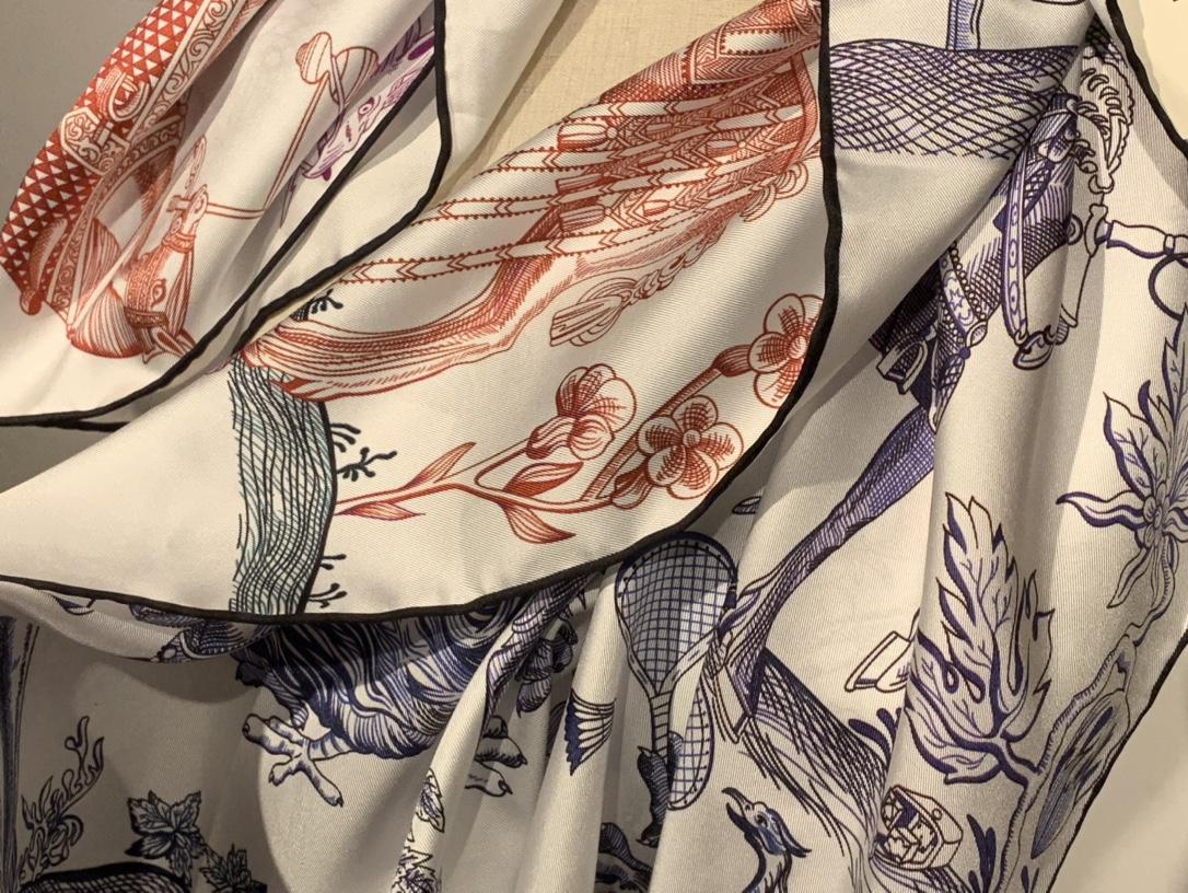 限量版 《双面神奇的动物》 市场最高版 专柜同手感同克重 90*90cm 双面高品质工艺 斜纹真丝