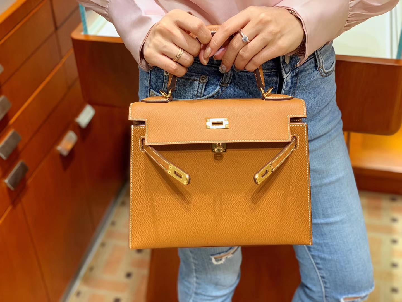 爱马仕女包批发 Kelly 25 Epsom 现货 3大金刚色之一金棕色金扣 这色质感特显好