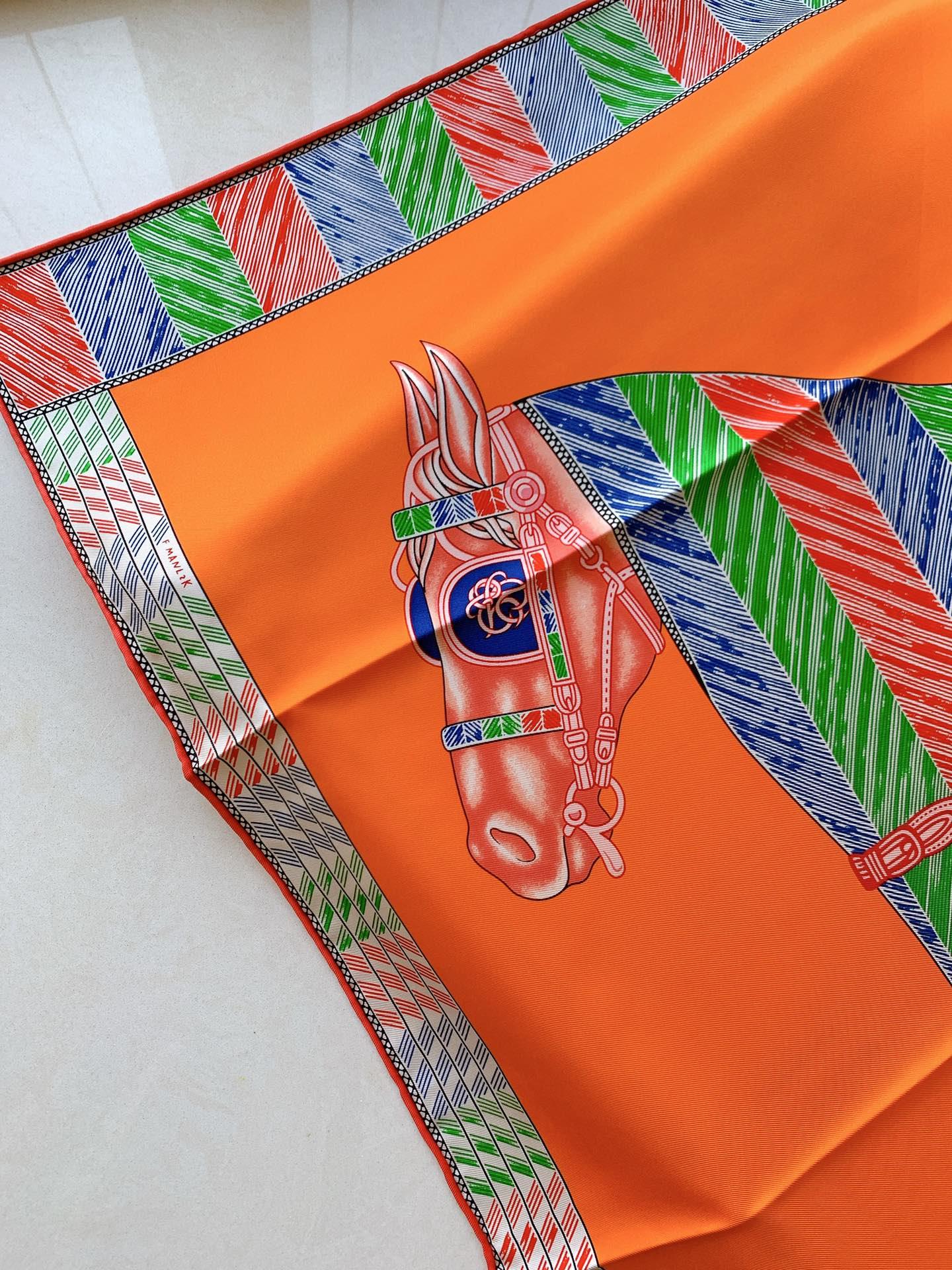 Hermes 新季度《骏马披挂》蚕丝方巾 《橙色》 20年新版骏马图案丝巾