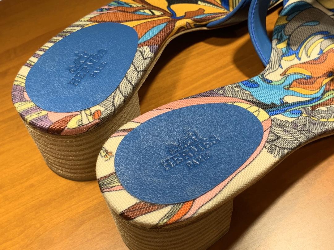 HMS  2020新款拖鞋  纯手工缝制   码数:平跟:35~41 中跟:35~41 琉璃蓝 正码  颜色夏天搭配裙子穿好好看