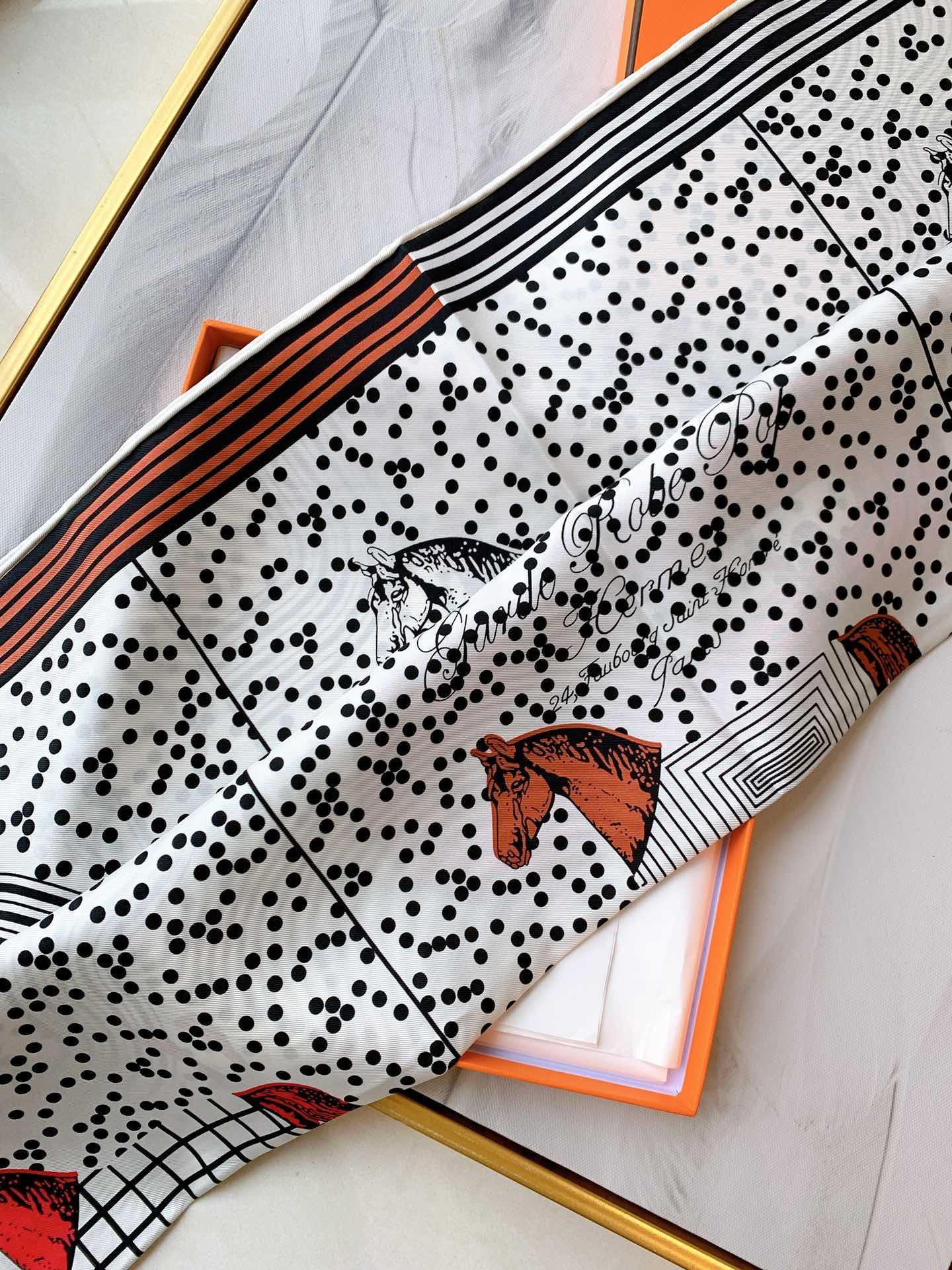 HERMES《波普式骏马》方巾 白色 90*90cm