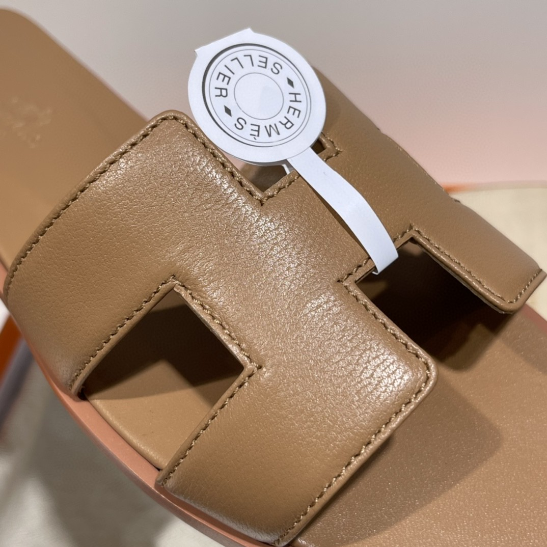 爱马仕 专柜新出的款式 全包垫脚~ 奶茶色 手工定制 码数偏小一码