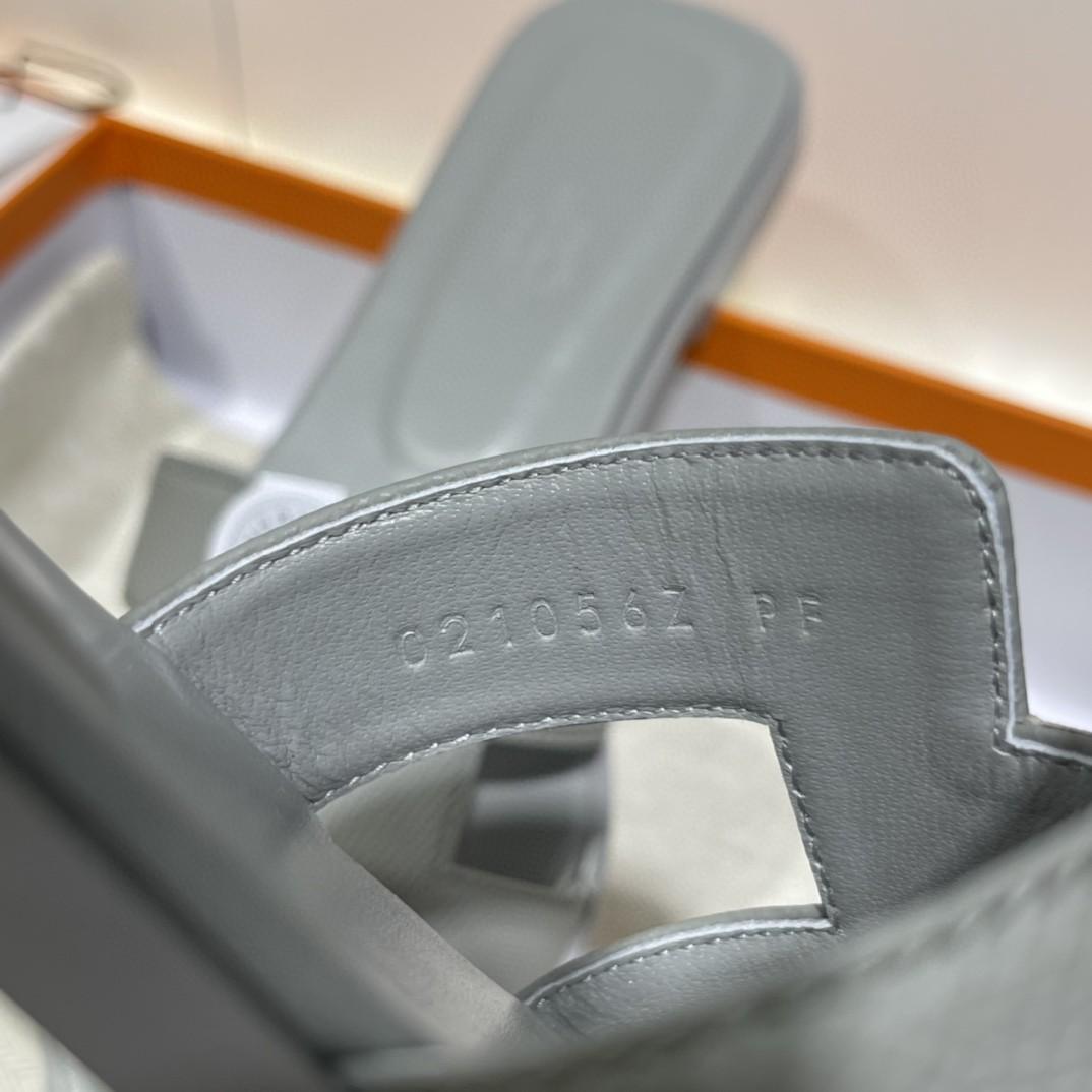 HERMES 专柜同步新颜色拖鞋  手工定制 冰川蓝 1:1品质 35-41(偏小一码)