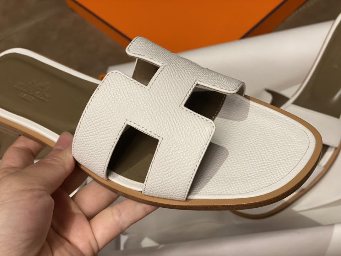 爱马仕 HERMES 实拍经典掌纹拖鞋 纯白色 35-41码(偏小一码) 货期12天