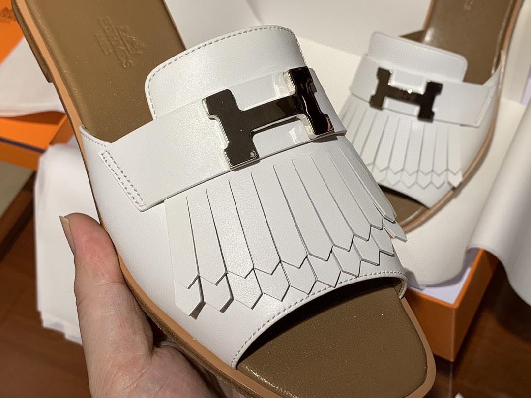 爱马仕 新款鱼嘴平跟拖鞋 白色 小羊皮材质 手工定制 货期12天