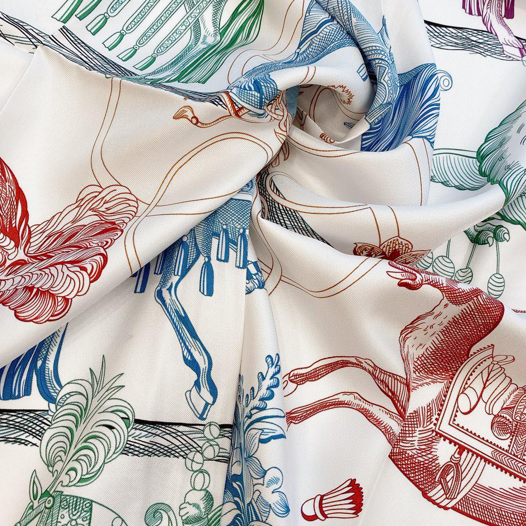 HERMES 爱马仕 《 神奇骏马》双面方巾 藏蓝色 Size:90x90cm 100%真丝