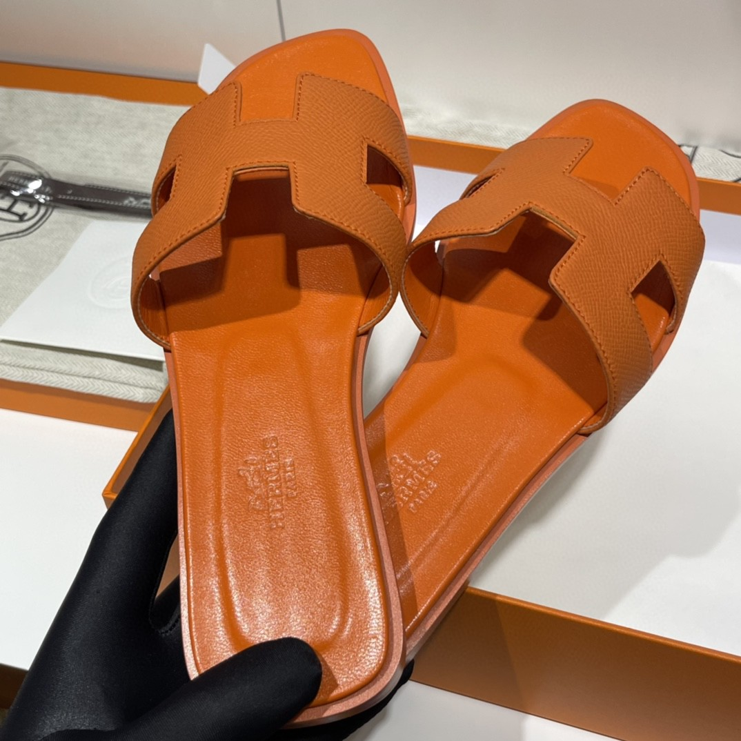 HERMES 经典款拖鞋 掌纹牛皮 纯手工订制 老师傅工艺 慢工出细活 10天出货 橙色  35-41码 偏小一码  质感你细品 完美