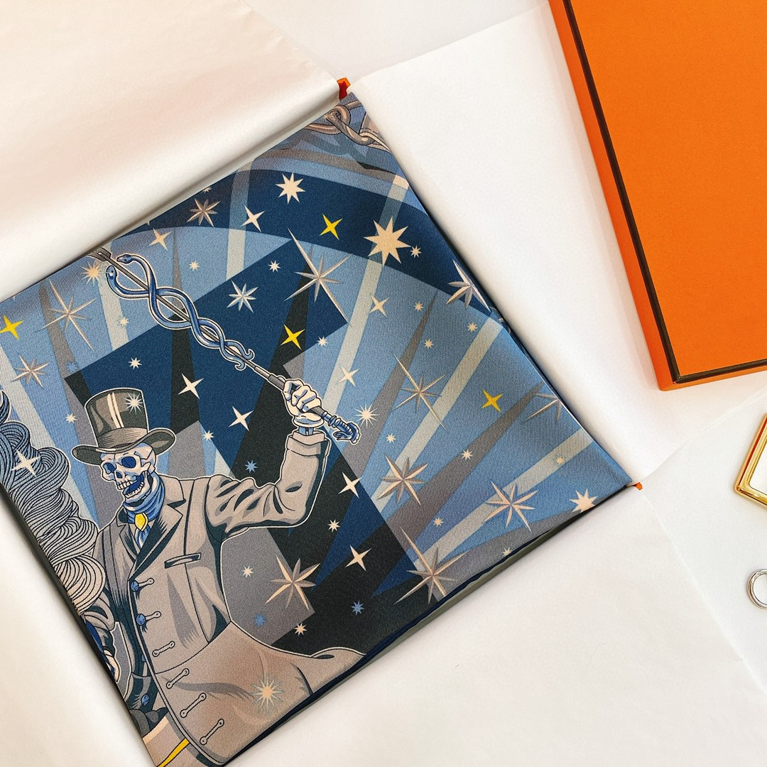 HERMES《 万圣节狂欢双面方巾 》蓝橙色 Size:90x90cm 100%真丝  暗黑图案