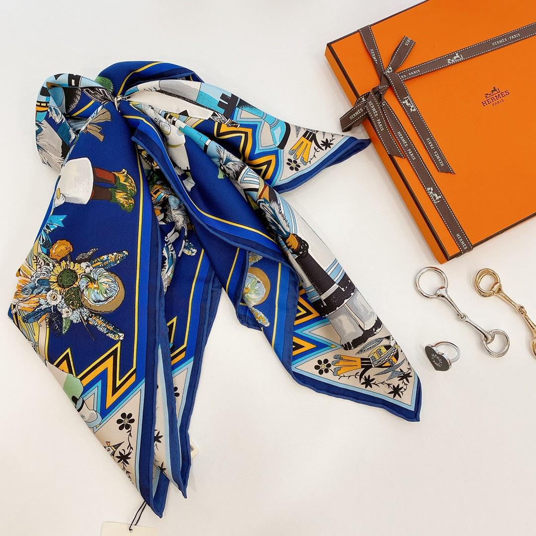 HERMES 夏季新款《卡奇纳神丝巾》蓝色 Size:90x90cm 100%真丝