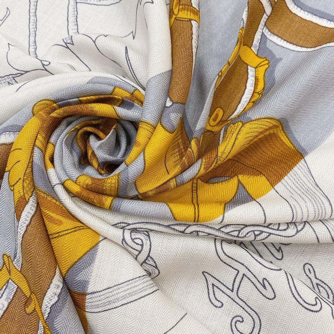 Hermes 秋季款 《国家马术指导条纹版丝绒披肩》灰黑色 Size:140x140cm