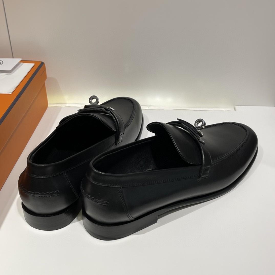 HERMES Destin 女士乐福鞋 采用正品小牛皮,质感爆表,316精钢正品开模五金,意大利原厂进口真皮大底 码数:35-41 (可定制半码)