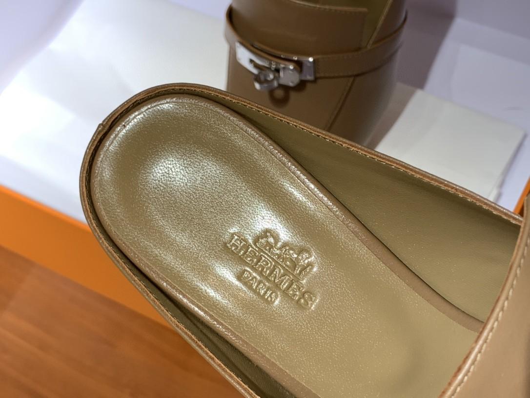 爱马仕 新款专柜同步上新 山羊皮 棕色 Blossom 穆勒鞋 搭配经典kelly鞋扣 打造悠闲典雅风范 上脚档次飙升 山羊皮 跟高6cm 35~41码