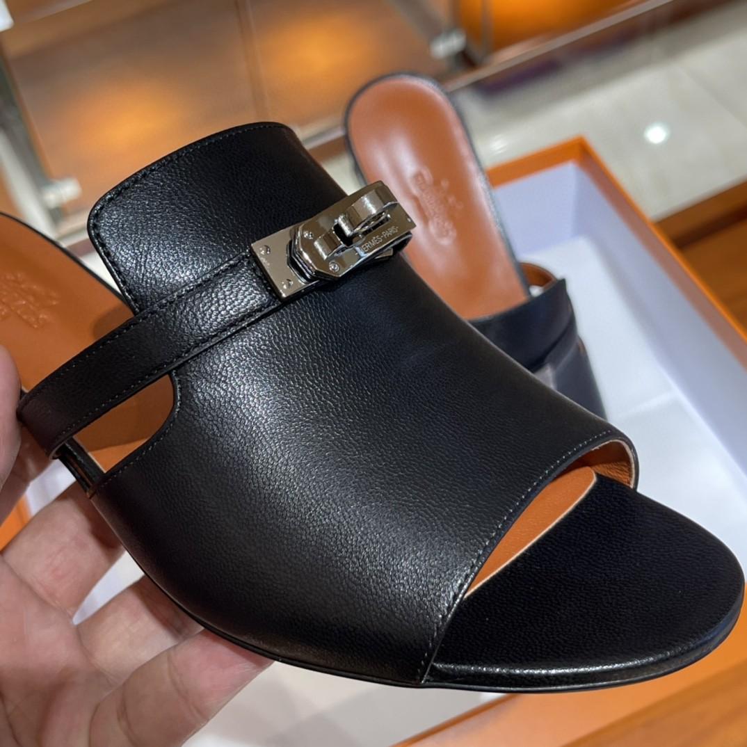 爱马仕 Candy款丑萌凉鞋 上脚超爱 很舒服 版型设计好赞 35-41码 (正码) 12天出货 黑色 羊皮