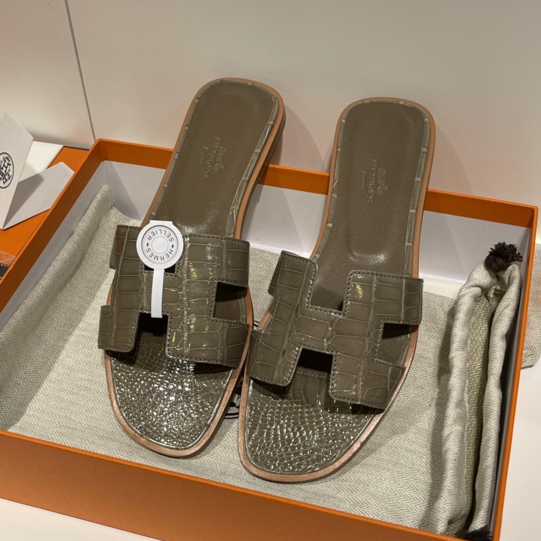 HERMES 客订的鳄鱼皮拖鞋 手工定制 大象灰 高级的的颜色 35-41码(建议定大一码哟)