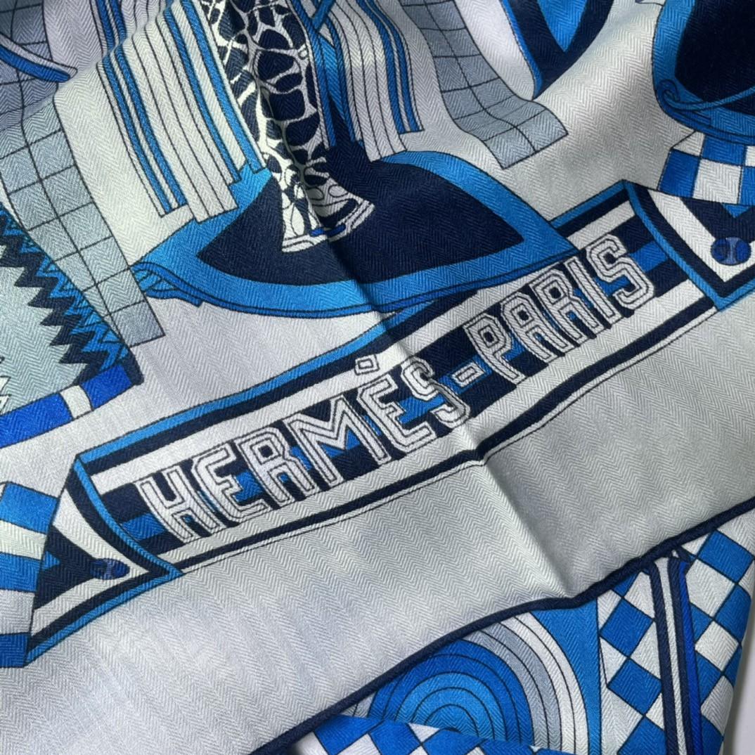 HERMES 爱马仕 秋季款新款丝绒方巾 Size:140x140cm 真丝羊绒蓝色