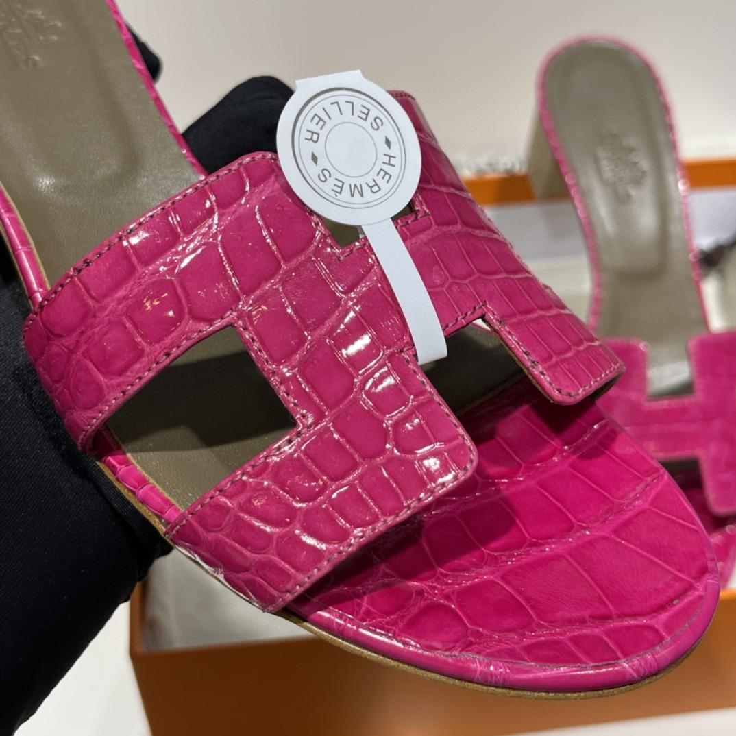 爱马仕 客订的鳄鱼皮拖鞋 手工定制 品质看的见的好 天方夜谭紫 好美的颜色 35-41码(建议定大一码哟)