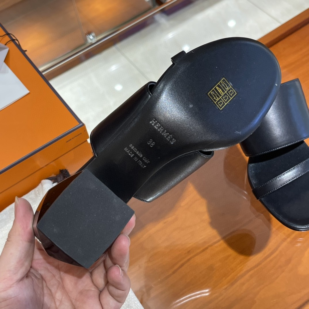爱马仕 新款方跟拖鞋  2色 纯手工定制 接受预定 小牛皮  黑色 35-41码