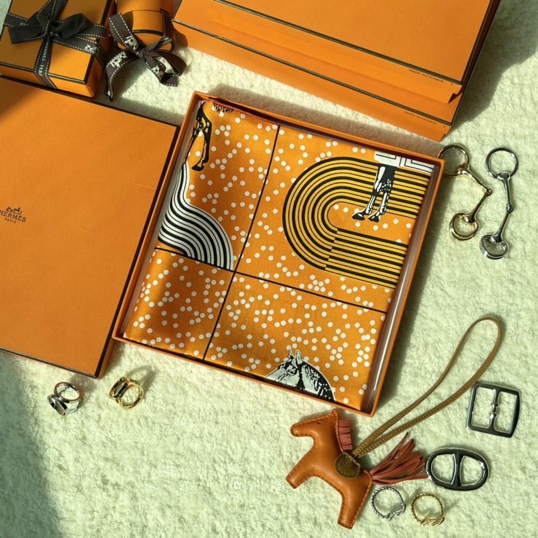 HERMES 《 波普式骏马的披挂》丝巾  橙色 Size:90x90cm 100%真丝