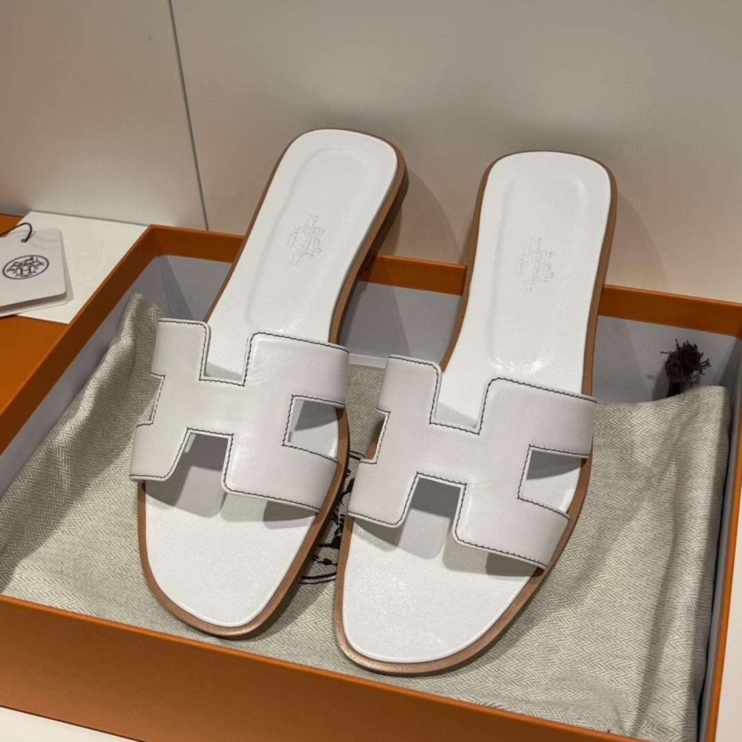 爱马仕 经典款拖鞋 今年专柜最新全包垫脚~ Swift 皮  皮质更柔软舒服 白色 纯手工定制 35-41