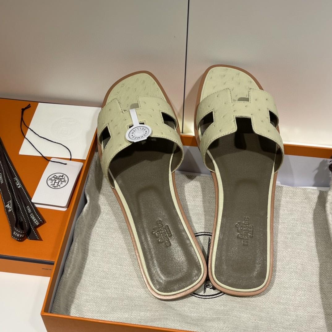 HERMES 客户订做的鸵鸟皮拖鞋出货啦  奶昔白 接受预定哟 实拍图片 近距离感受一下手工及皮料  35-41码 货期十天