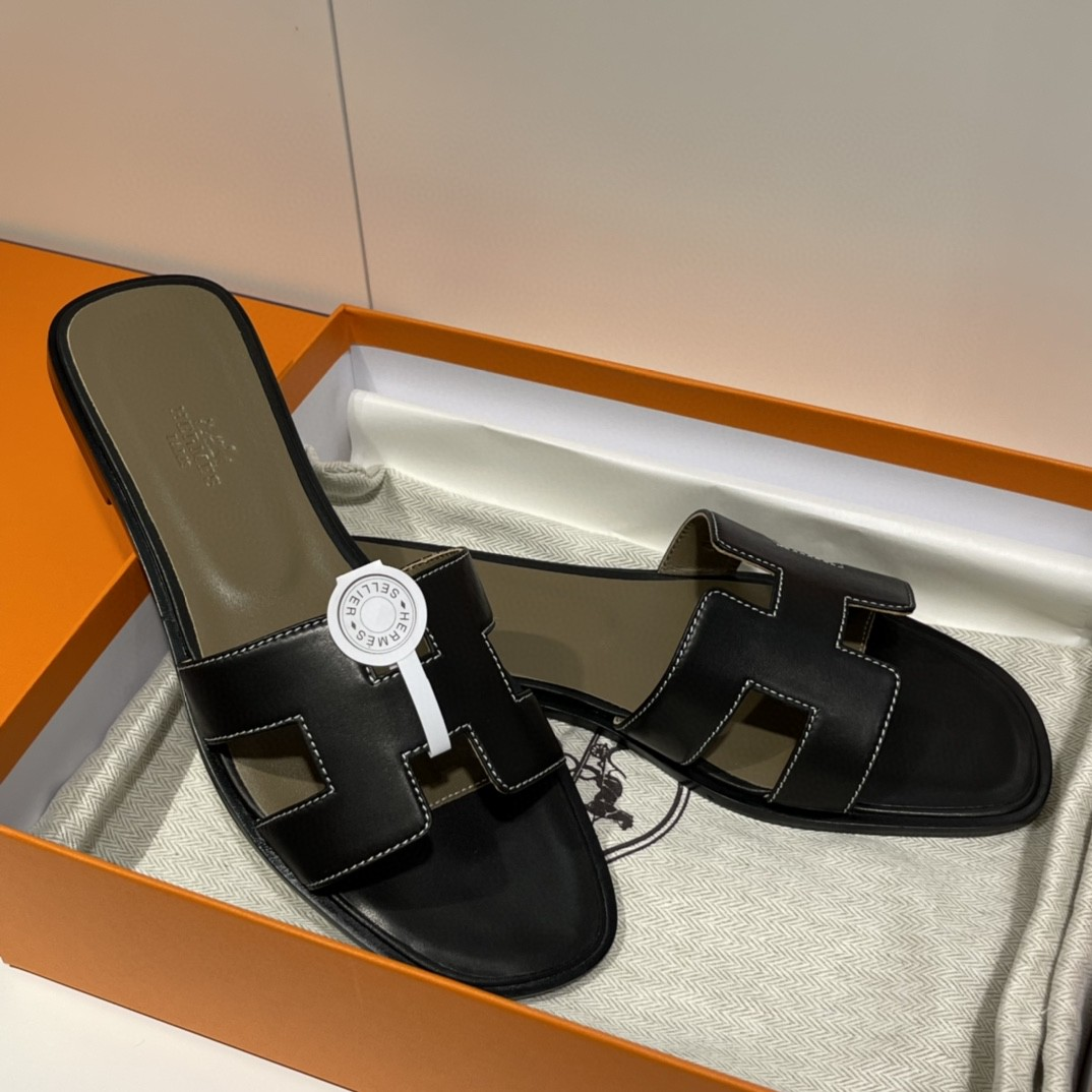 爱马仕 经典款拖鞋 今年专柜最新全包垫脚~ Swift 皮  皮质更柔软舒服 黑色 纯手工定制 35-41