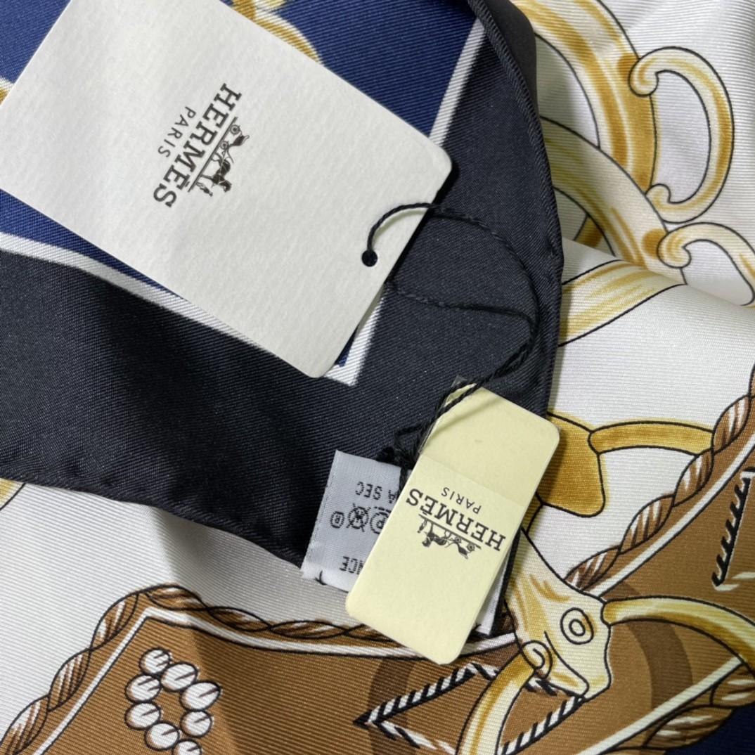 HERMES 新品《名人电梯》真丝方巾深夜蓝 90*90cm 100%真丝 手工包边