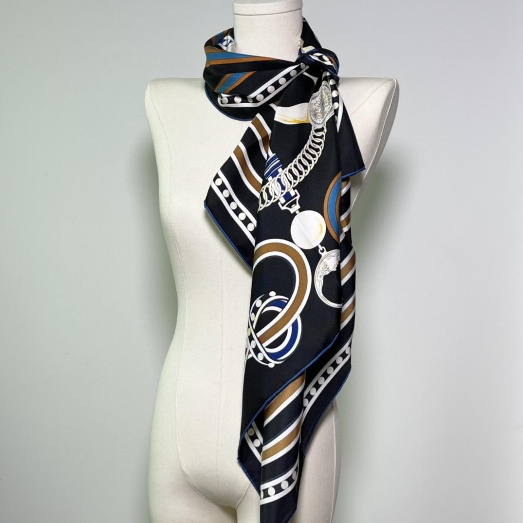 HERMES新品 《盛大欢庆》黑色 手工卷边斜纹真丝方巾(100%桑蚕丝)